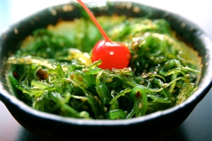 """Seaweed Salad Edo Sushi"" by Steven Depolo of Flickr Creative Commons."